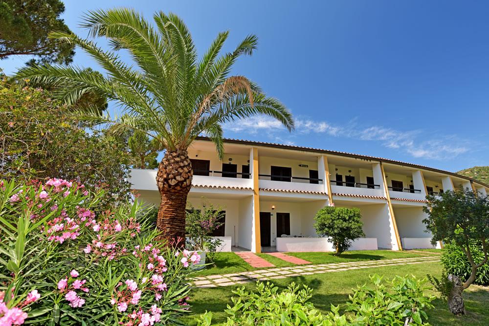 Residence a villasimius sul mare appartamenti bungalow e for Villasimius appartamenti